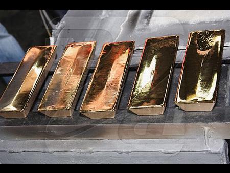 تعرف بالصور على صناعه سبائك الذهب 55047-450x-a_3.jpg