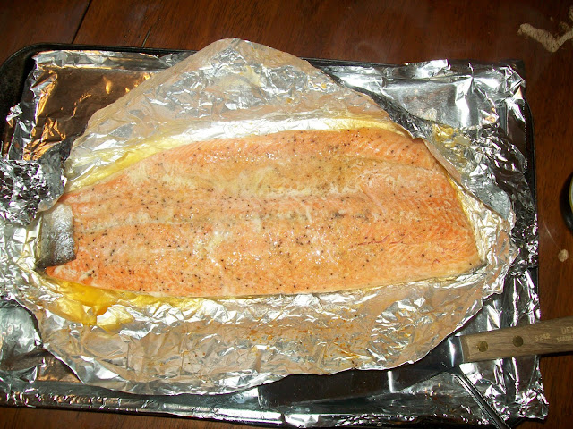 Lemon Pepper Salmon www.blissfulanddomestic.com