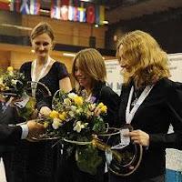Cramling,Cmilyte y Socko en el podio del XI Campeonatos de Europa femenino de ajedrez 2010 Rijeka