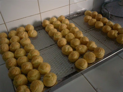 Cara Bikin Resep Kue Sus Kering Pedas Oven Renyah Tanpa Goreng Isi Coklat Vla Nissin Keju