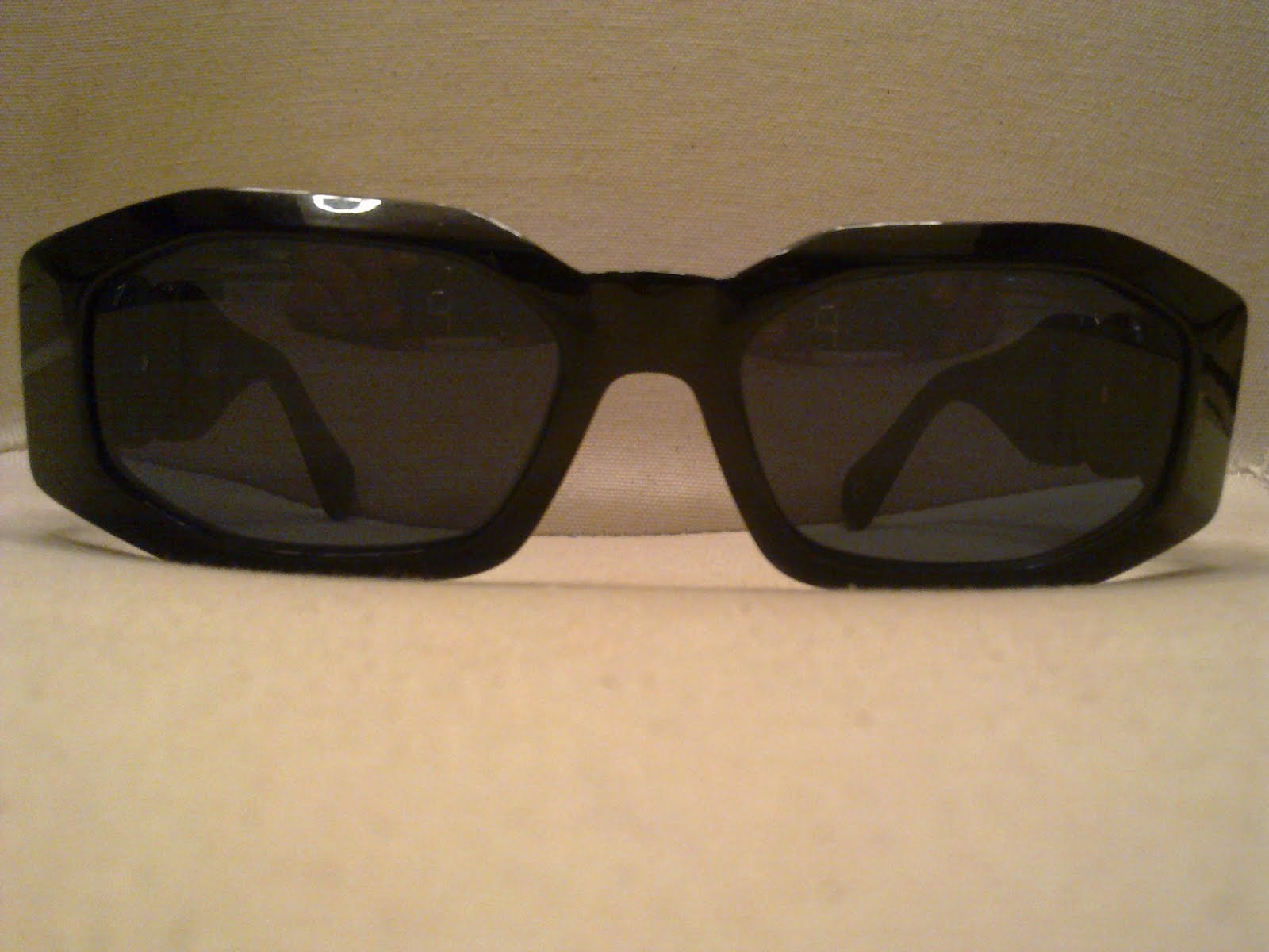 9fd6cf43ac1 Genuine GIANNI VERSACE Mod 414 A Black. Stunning! With golden Medusa Head  on arms! Conditions 8 10!!!