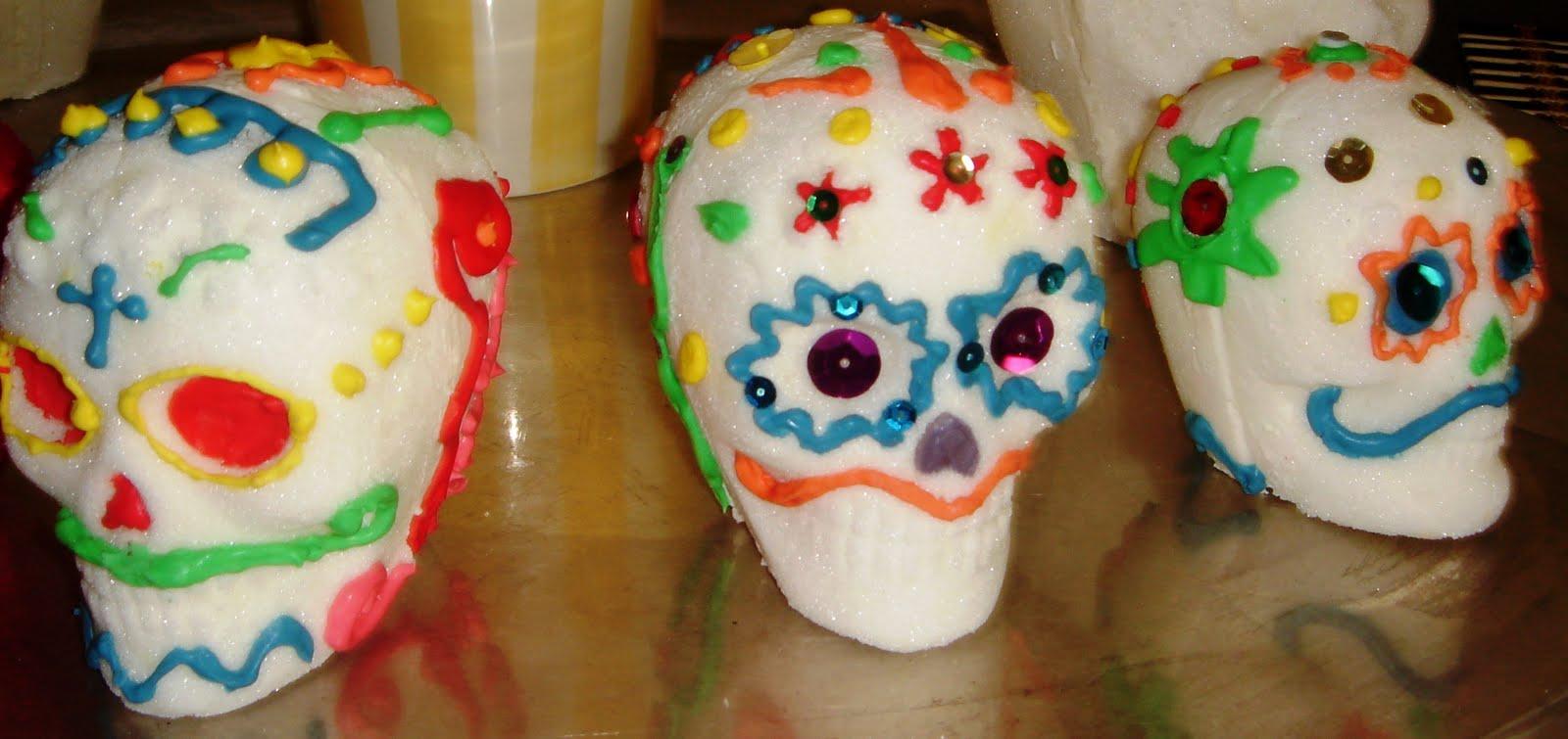 2lovelysweets: Sugar Skulls: Dia de los Muertos