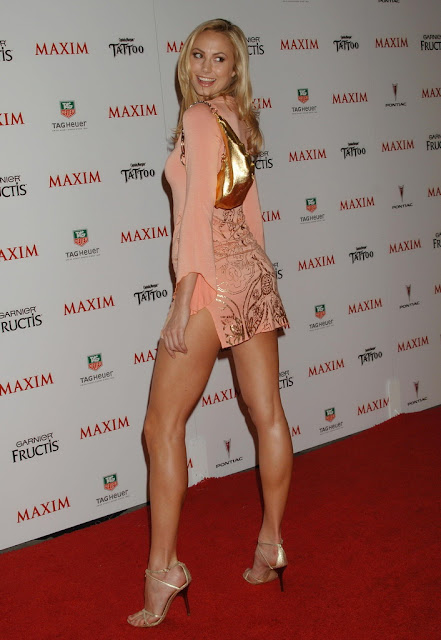 Stacy Keibler calves
