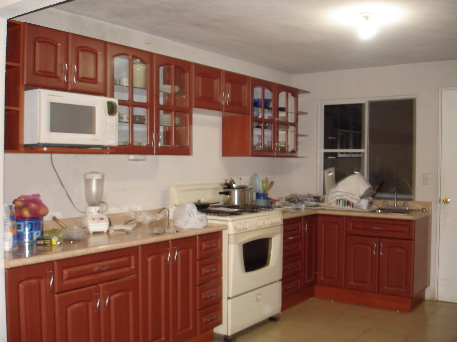 Construteksa gabinetes de cocina for Colores para gabinetes de cocina