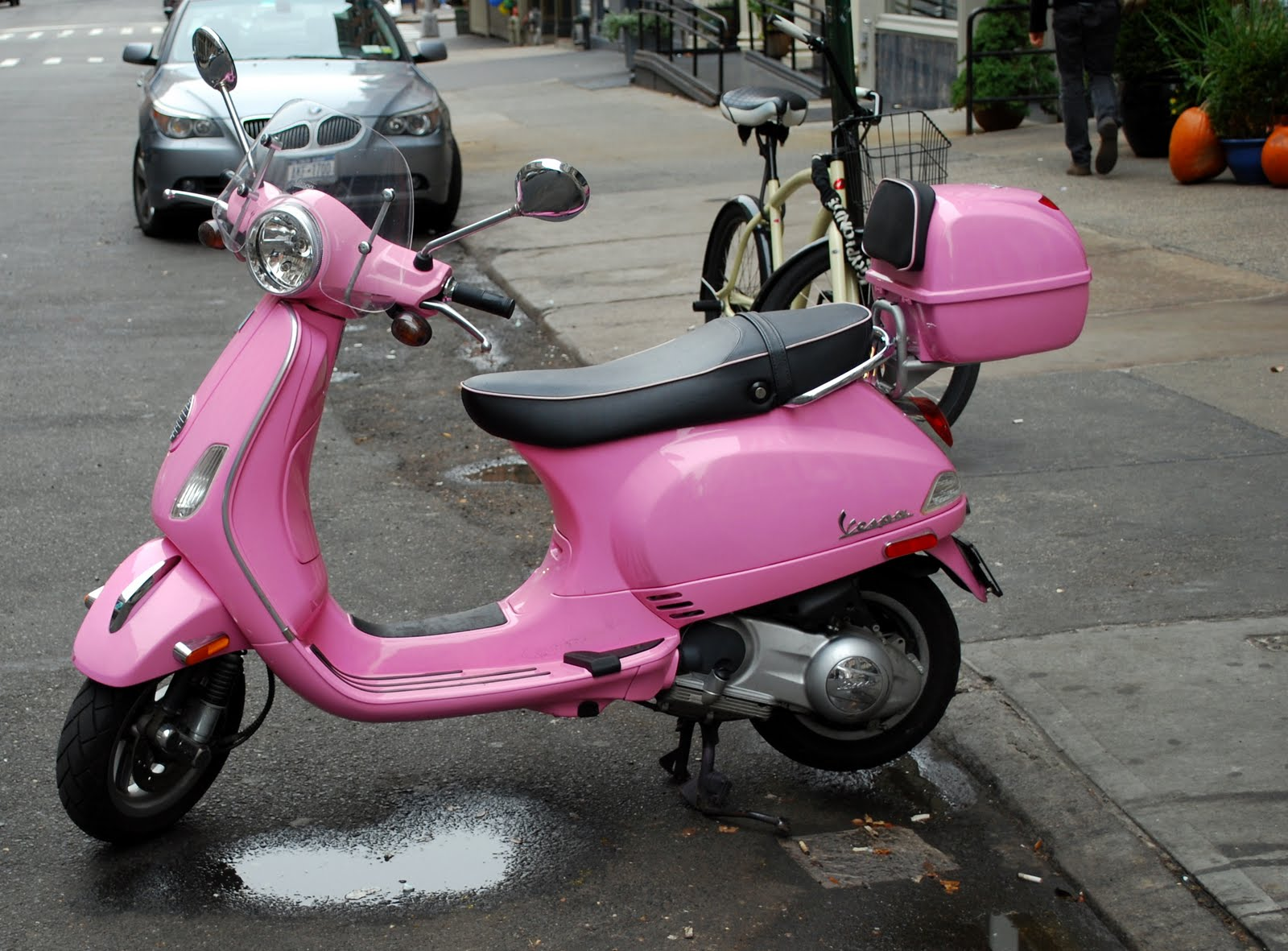 Mille Fiori Favoriti Pink Saturday Scooter