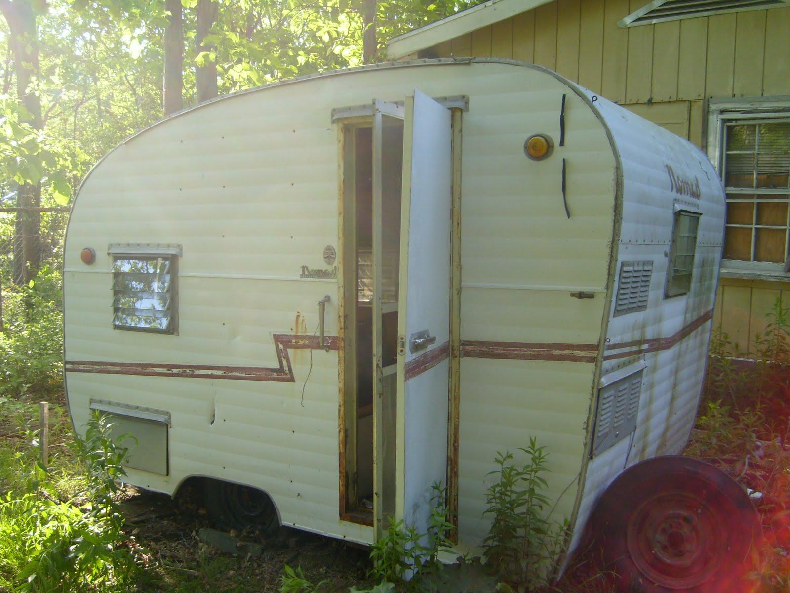 nomad camper restoration. Black Bedroom Furniture Sets. Home Design Ideas
