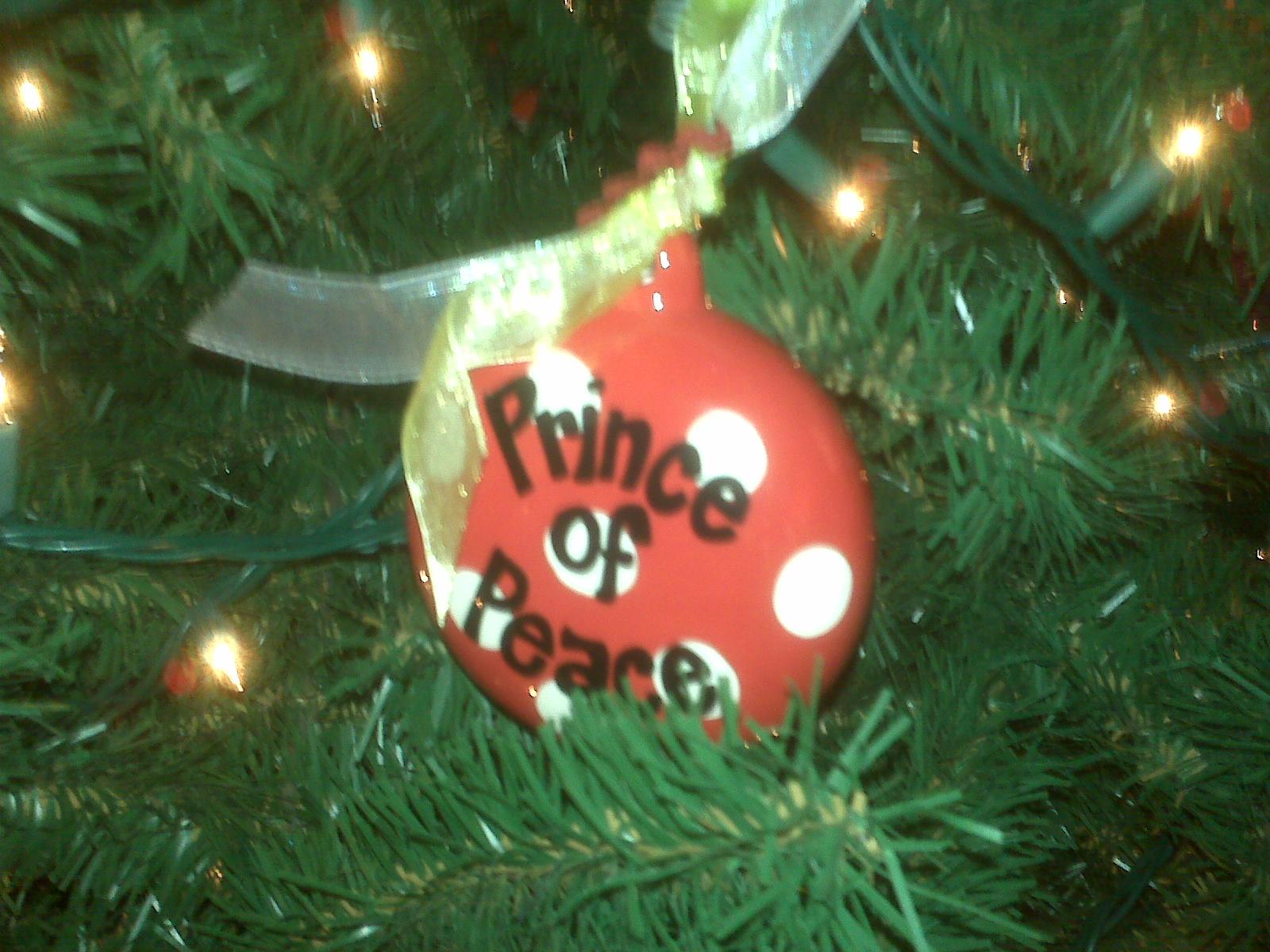 Decorating The Elevator: Christmas Par-tays (White Bean