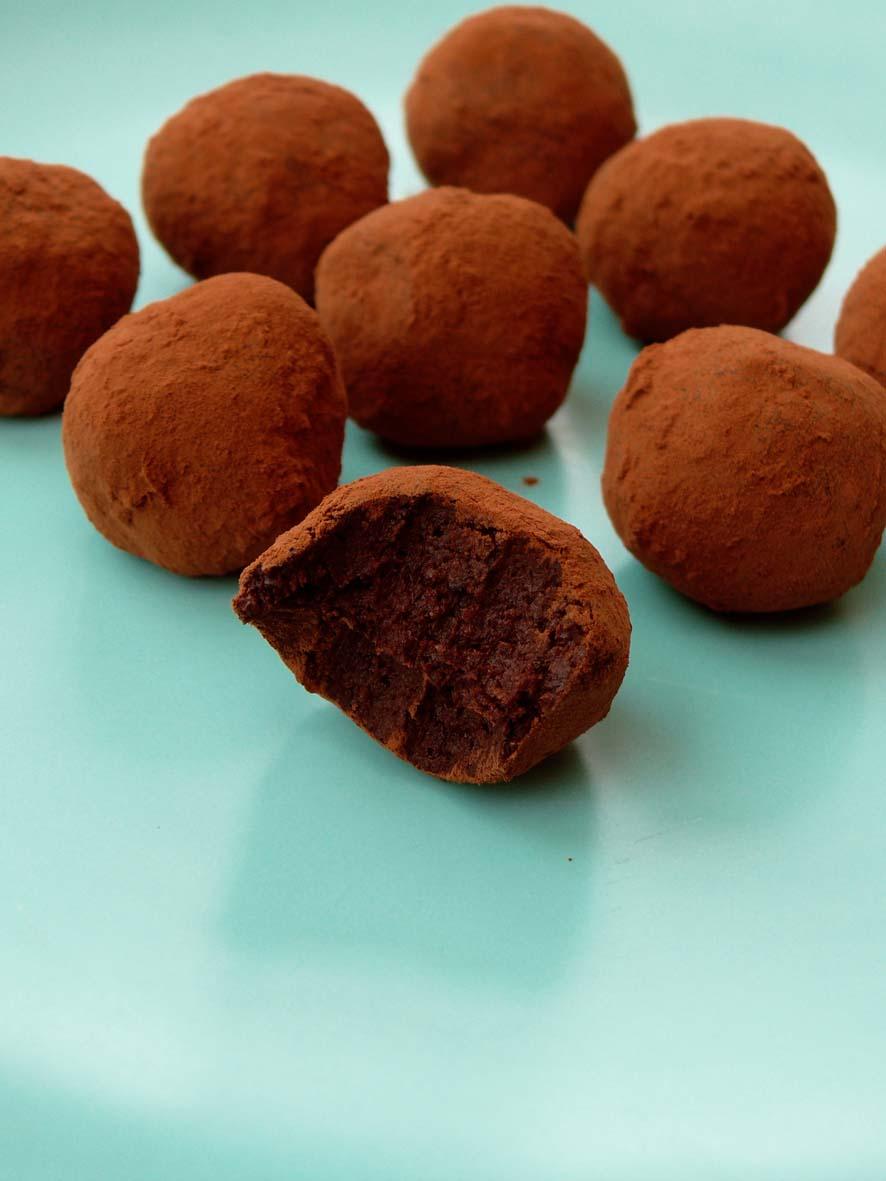 Raw Vegan Chocolate Truffle Cake Recipe