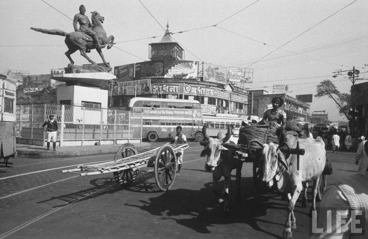 Netaji Subhas Chandra Bose Statue in North Kolkata (Calcutta) - December 1970