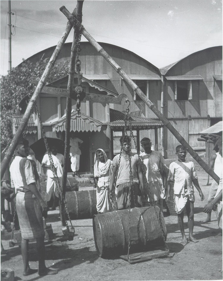 Balance scale in use in warehouse district not far from Howrah Bridge - Calcutta (Kolkata) 1944