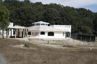 Construyen una casa más en La Primavera