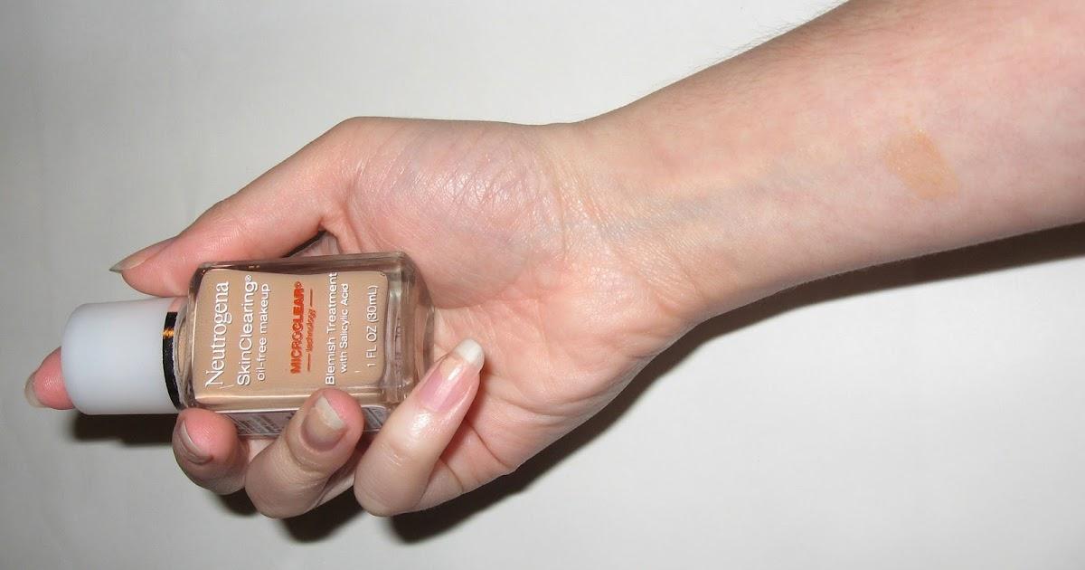 Skin Clearing Neutrogena Natural Beige Foundation Swatch