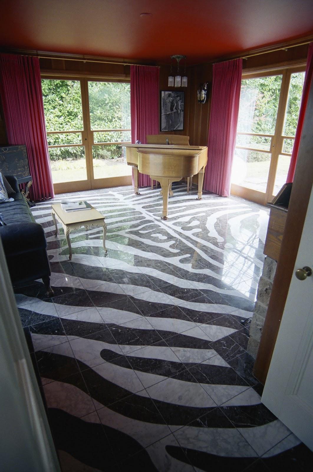 Handyman Doye Zebra Underfoot Cut Work Marble Floor
