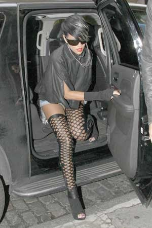 Hollywood Rihanna Fishnet Stockings Public Pics