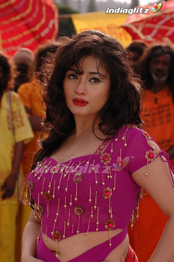 Sexy Kiran Rathod New Pics 9 Pics