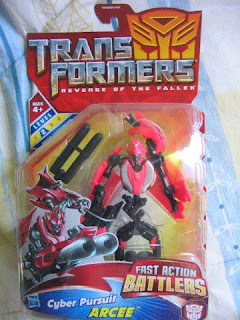 Transformers ROTF Revenge of the Fallen Cuber Pursuit Arcee Autobot