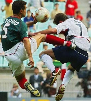 football-kungfu-player-kicking-opposition