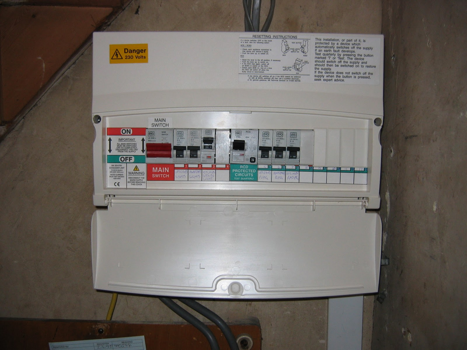 free electrical advice fuse board or consumer unit what. Black Bedroom Furniture Sets. Home Design Ideas