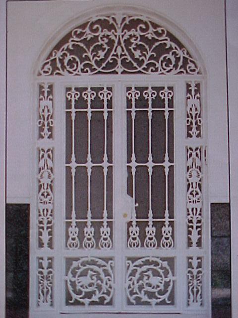Porte d 39 entr e mod l oiseau for Porte d entree fer forge algerie