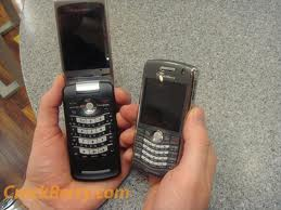 Mobile World: New BlackBerry 8220 Pearl Flip now update today