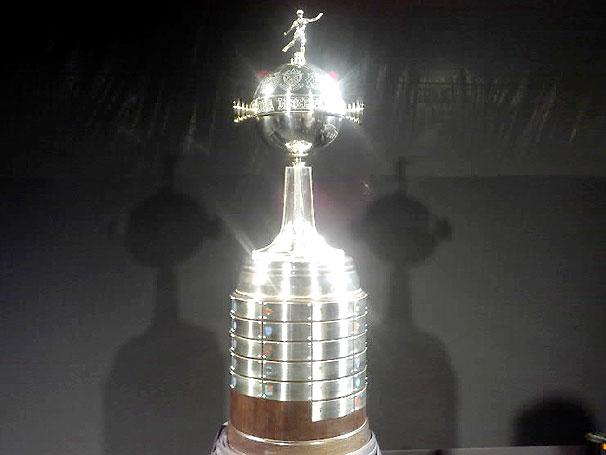 Troféus do Futebol  Taça Libertadores da América da CONMEBOL e77dfc39fb515