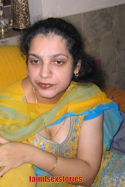 -Kerala Aunty March 2011-7121