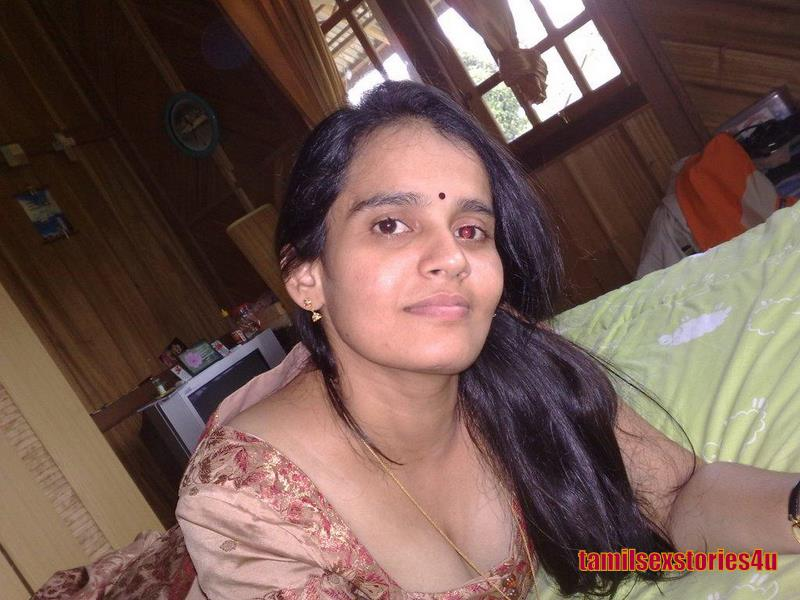 Sexy Indian Hot Hot Mallu Aunties Breast Show-5004