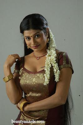 Hot Actress Kissing Scene: Jayabharathi Hot