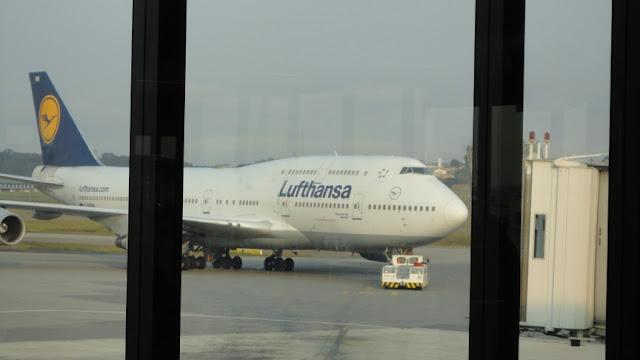 Boeing 747-400 da Lufthansa no Aeroporto de Guarulhos