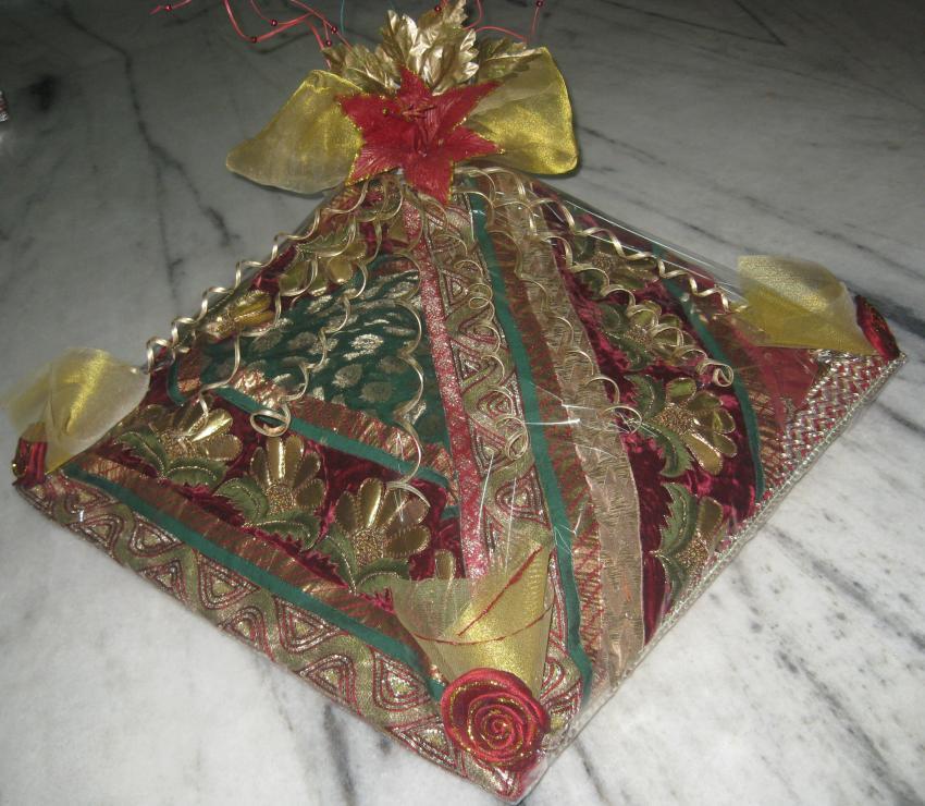 Wedding Gifts Packing Designs: Gift Packings: Wedding Saree Packing