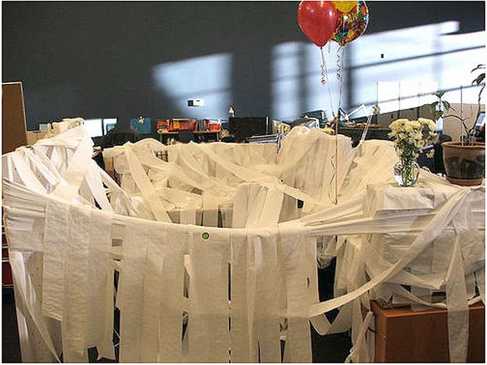 Office Desk Pranks Ideas With Awesome Office Cubicle Pranks 21 Funny u0026 Crazy