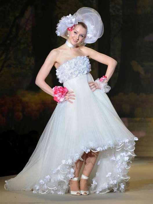 Modern Wedding Dresses For Brides 20 Pics Curious