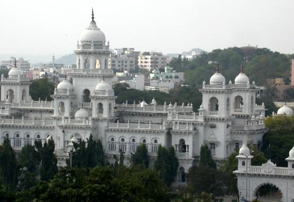 Telugu hyderabad old city aunty exposed in movie theatre