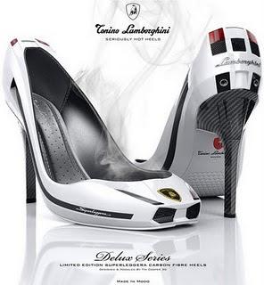 88886fc7 A muchas mujeres nos vuelven locas los zapatos de tacón, y cuanto más altos  sean mejor. Aunque lo de llevarlos puestos, ...