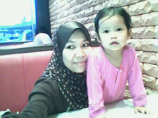 Damia and mummy @ Kenny rogers