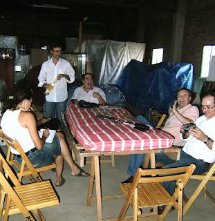 Ana Extremiana, Ricardo García Tomás, Rafael Prats Rivelles, Javier Sarti, Roberto García en Reunión para preparar algunos detalles del proyecto en el Taller. Conversaciones entorno al colchón.
