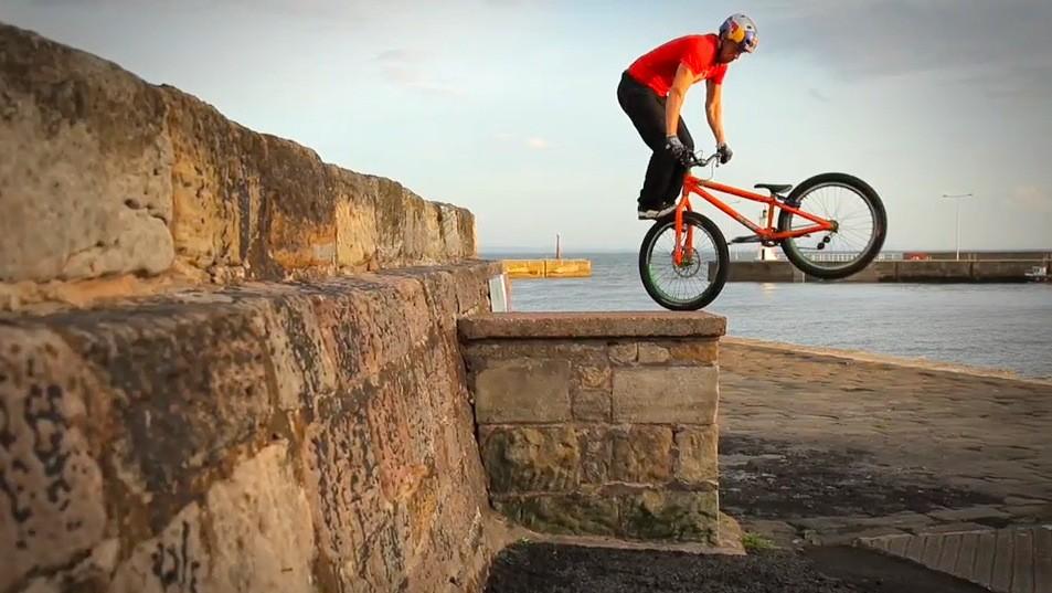 Danny MacAskill El mejor Ciclista del Mundo