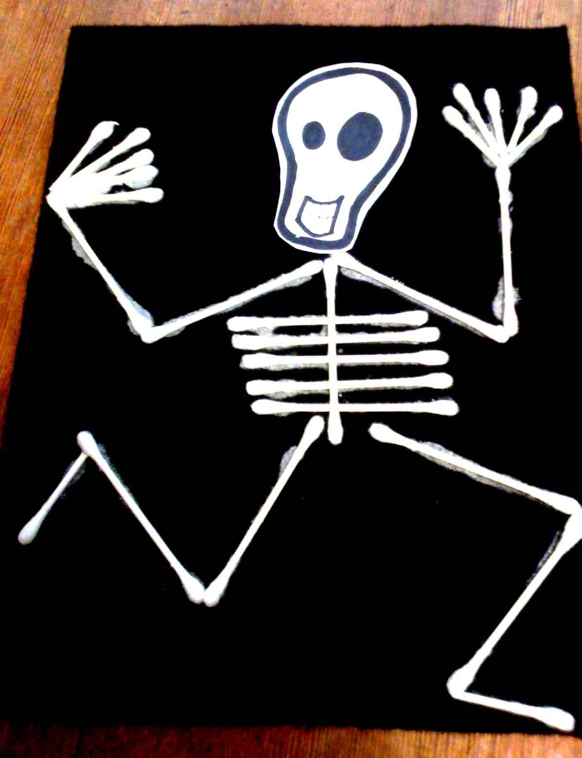 Alive and mortal kids craft skeleton flag for your ofrenda for Q tip skeleton craft template