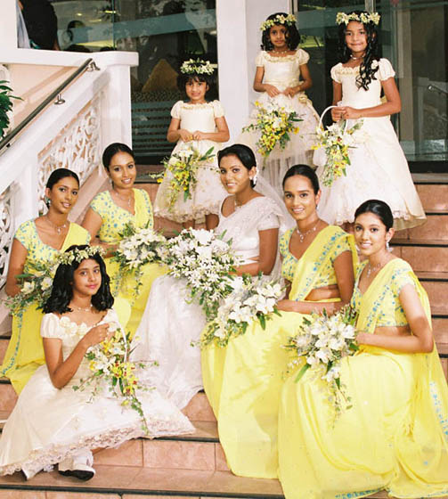Wedding Hairstyle In Sri Lanka: Srilanka Brides And Maides With Flower Girls