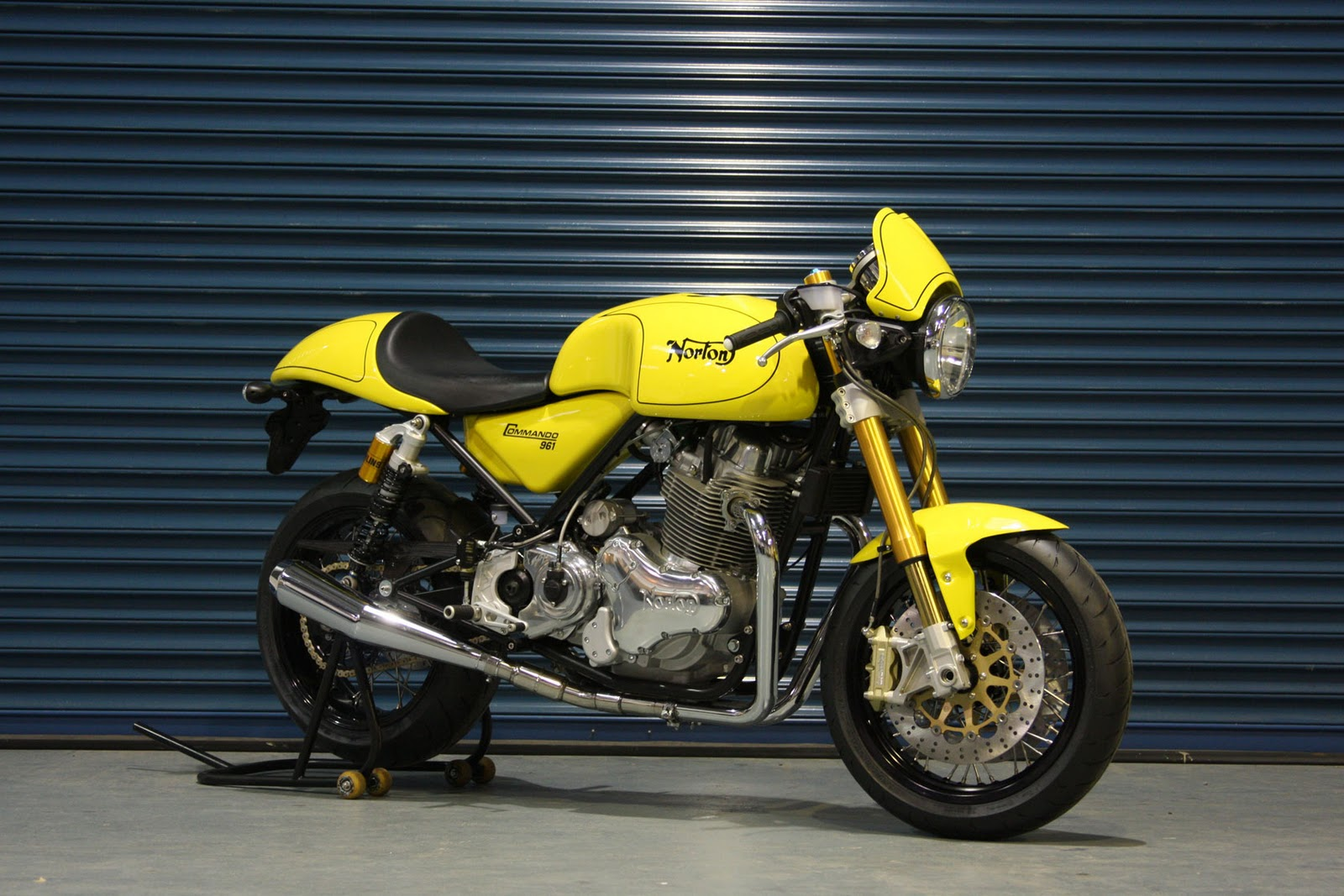 Picture Motorcycle: Norton Commando 961