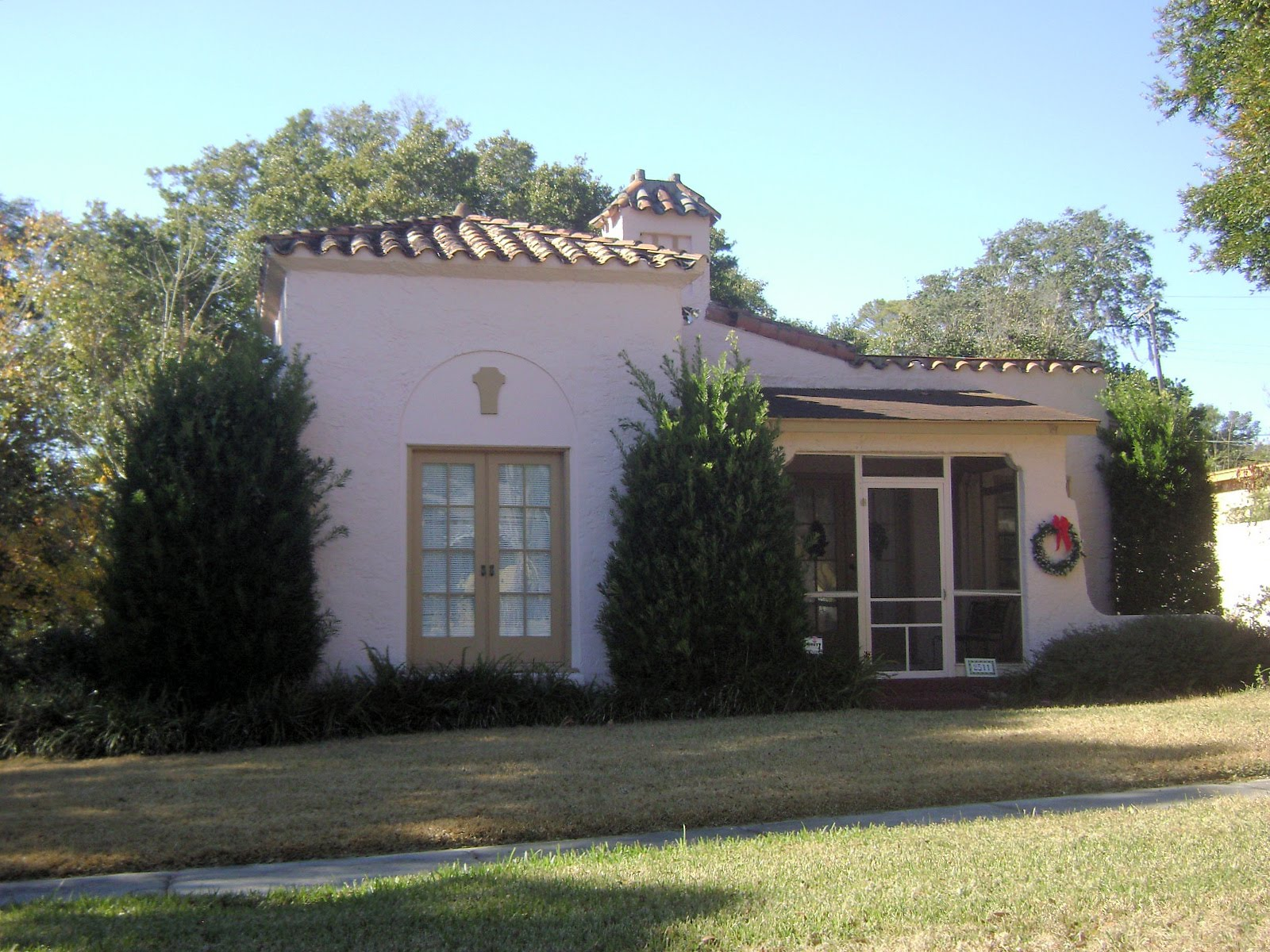Small Stucco Homes And Their Landscape Home Designs