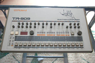 matrixsynth roland tr 909 signed by jeff mills. Black Bedroom Furniture Sets. Home Design Ideas