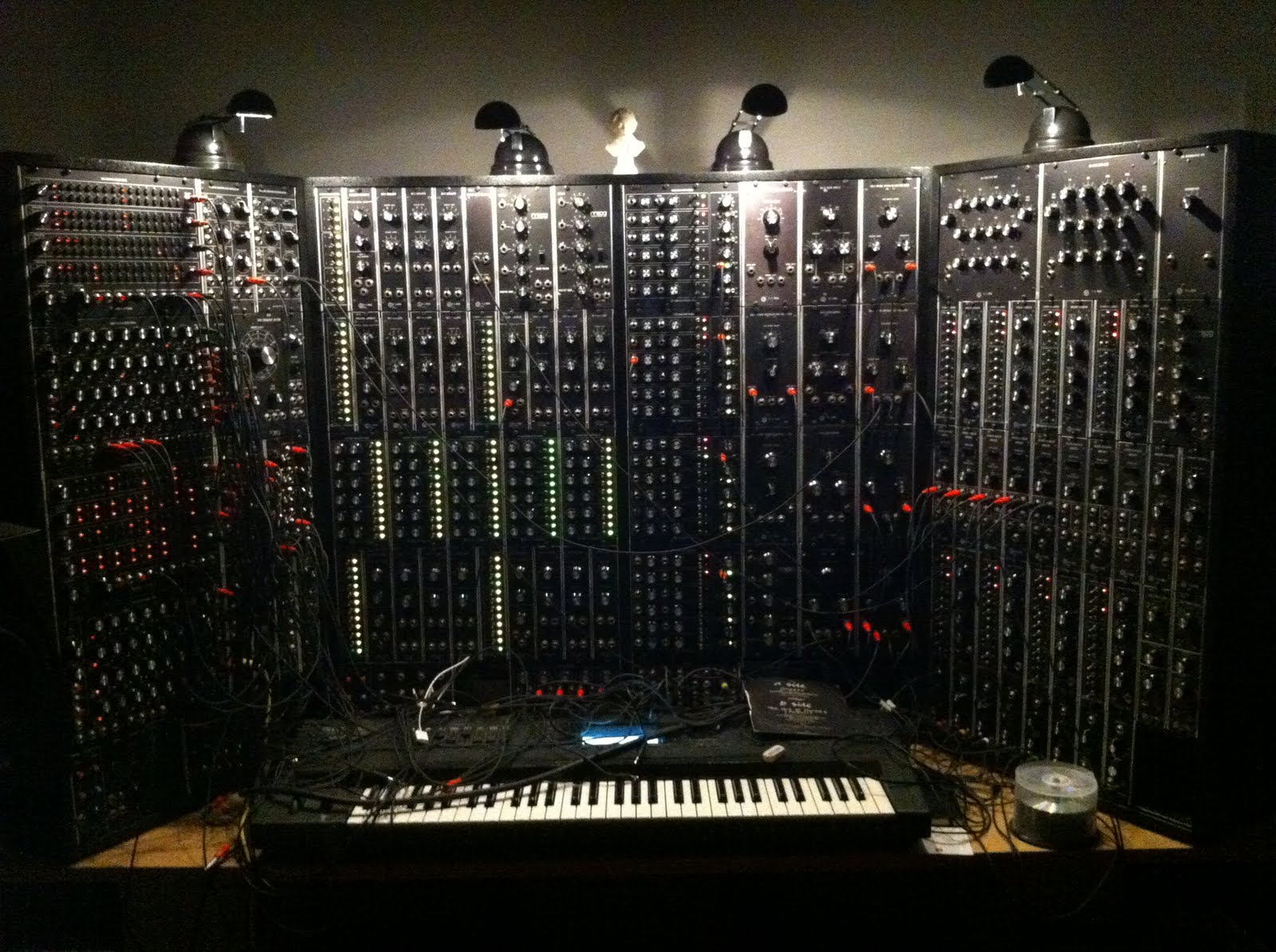 matrixsynth sequencing fun with a moog moon modular. Black Bedroom Furniture Sets. Home Design Ideas