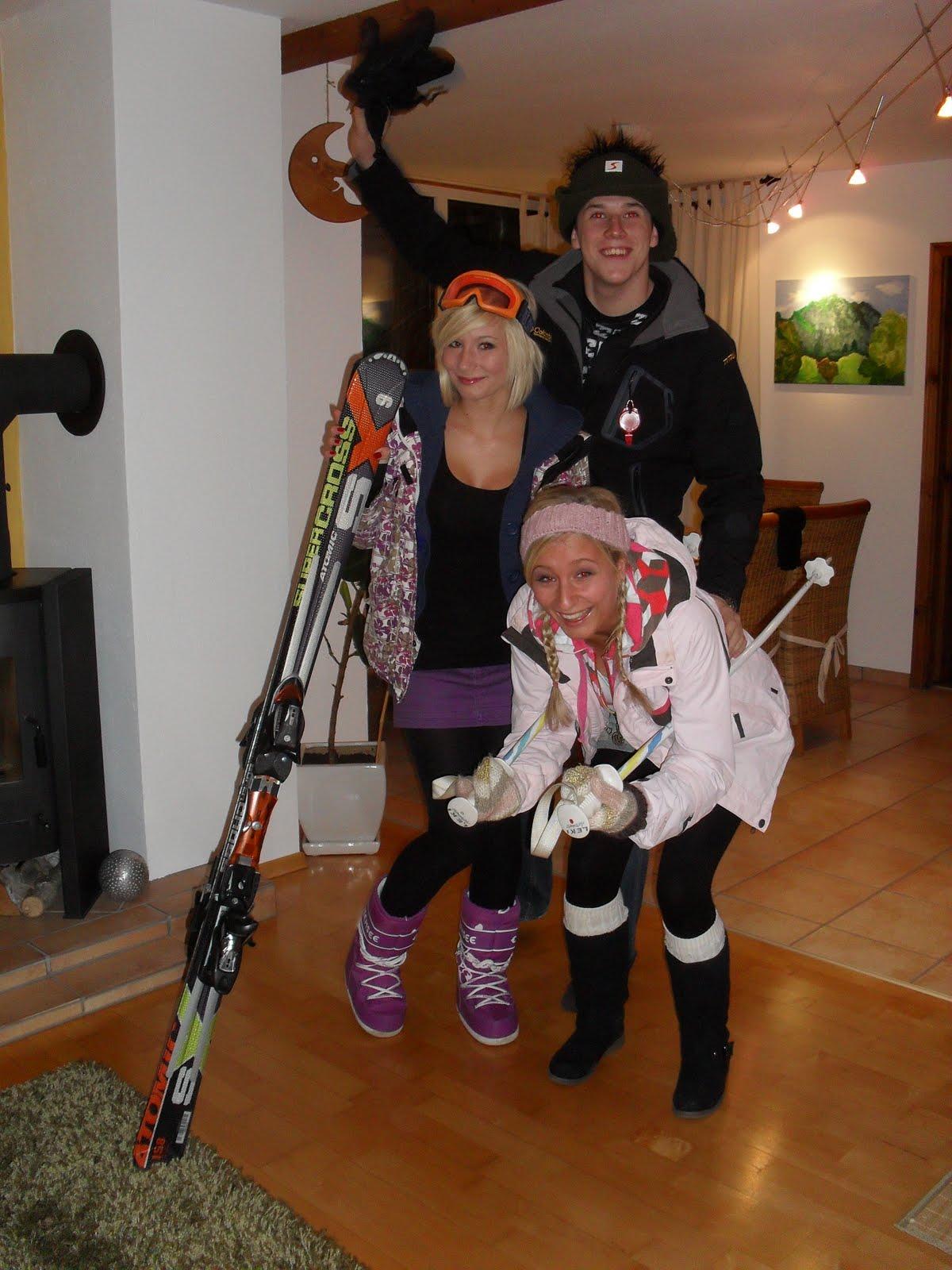 apres ski party deko apres ski party deko apres ski party deko 2 apres ski party ballermann. Black Bedroom Furniture Sets. Home Design Ideas