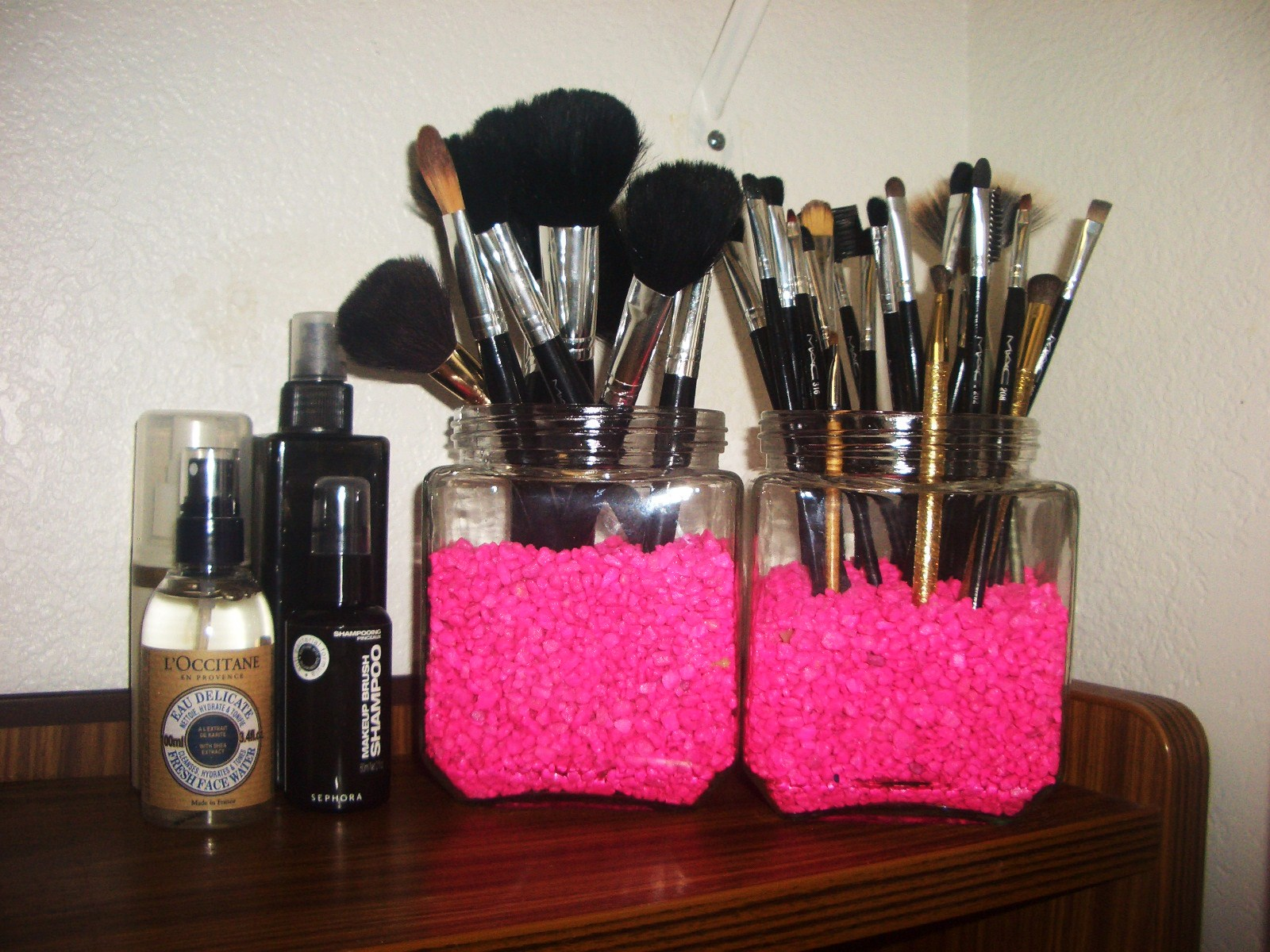Fab and Frugal: DIY Makeup Brush Holder - thefabzilla