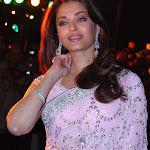 Aishwarya Rai In Jodha Akbar Premiere   Hot Attire!
