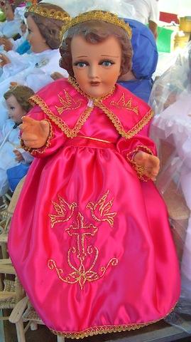 Occursus La Tradición Moderna De Vestir Al Niño Dios Una