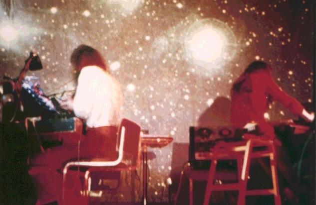 Basil Brooks y Howard Scar (Gwyo Zepix), en directo como Zorch en los años 70
