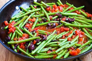 Braised Green Beans Recipe with Garlic, Tomatoes, Olives, and Capers found on KalynsKitchen.com