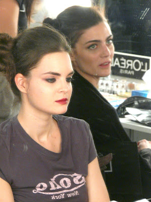 marina perez modelo backstage madrid fashion week